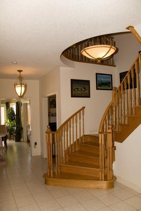 Лестницы в интерьере загородного дома фото